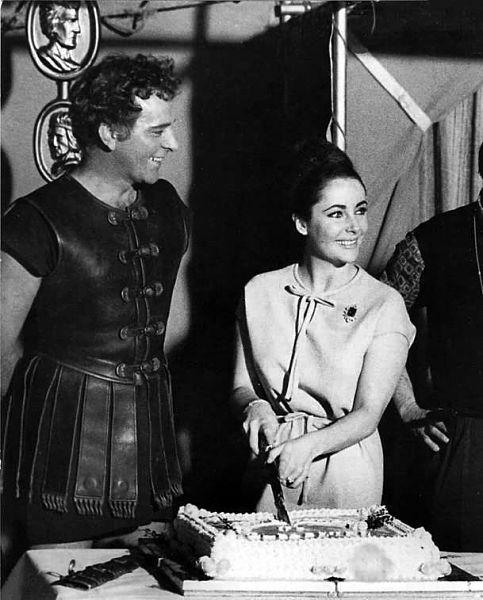 burton-taylor-cake-cleopatra_opt[1]